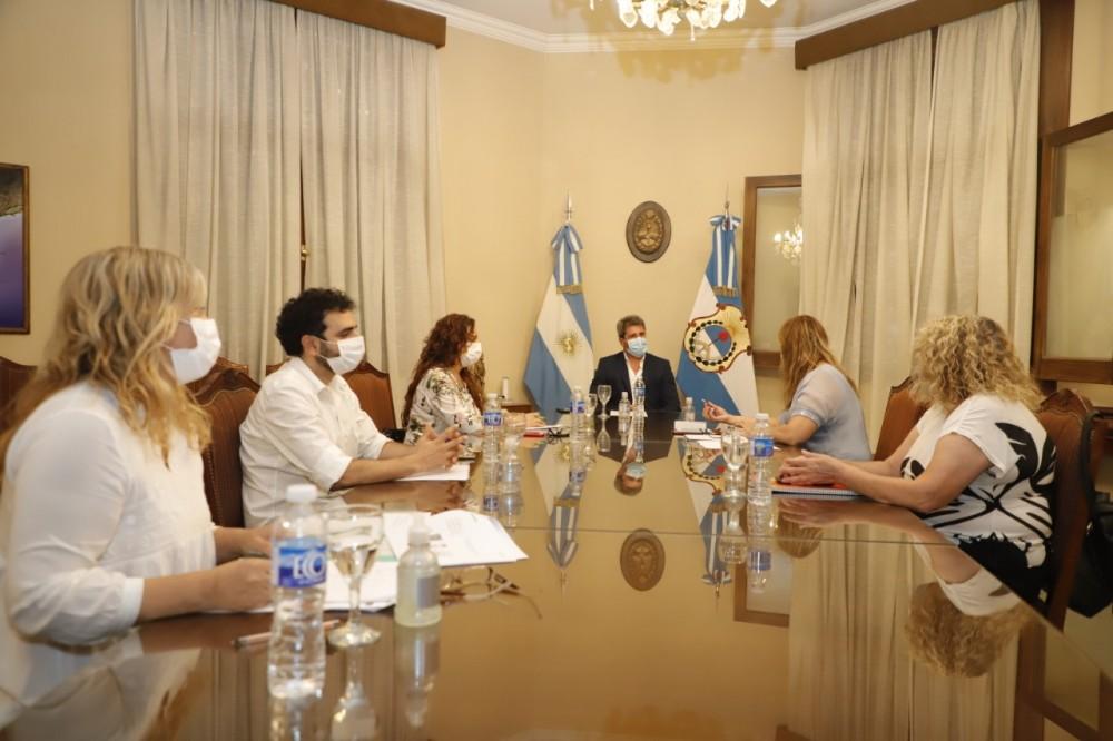 Uñac recibió detalles sobre la planificación de la vacunación contra COVID-19